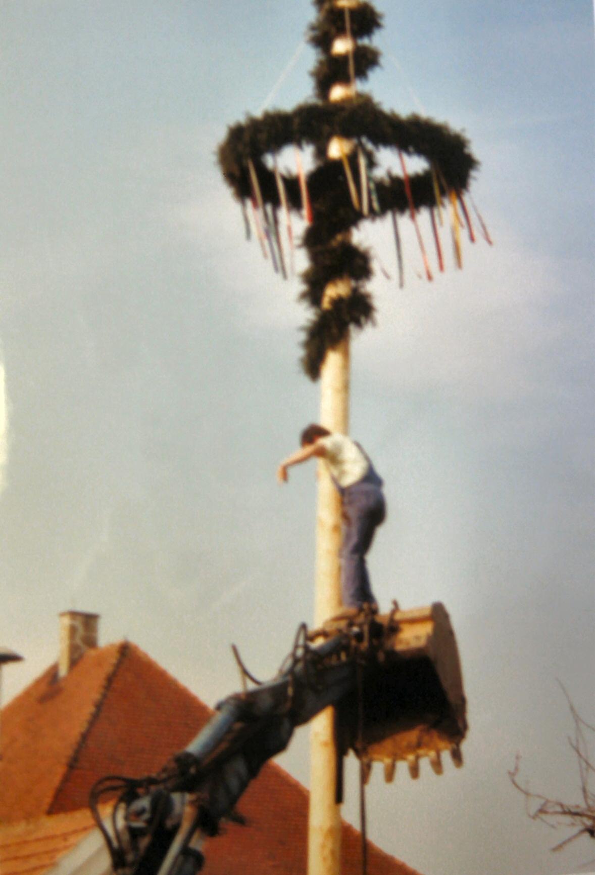 1993 Maibaum Oben bleiben IMG_9603
